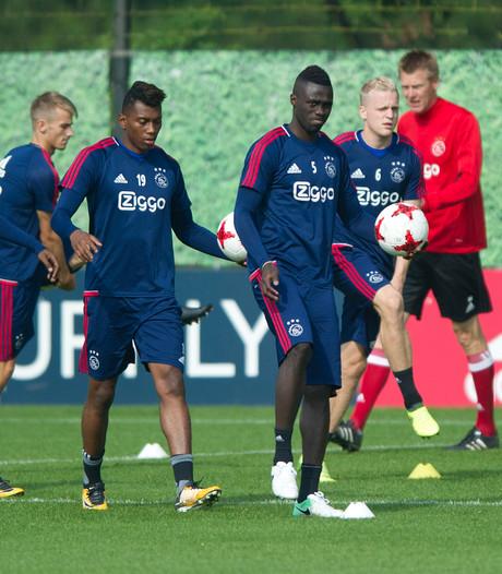 Sánchez traint weer mee bij Ajax