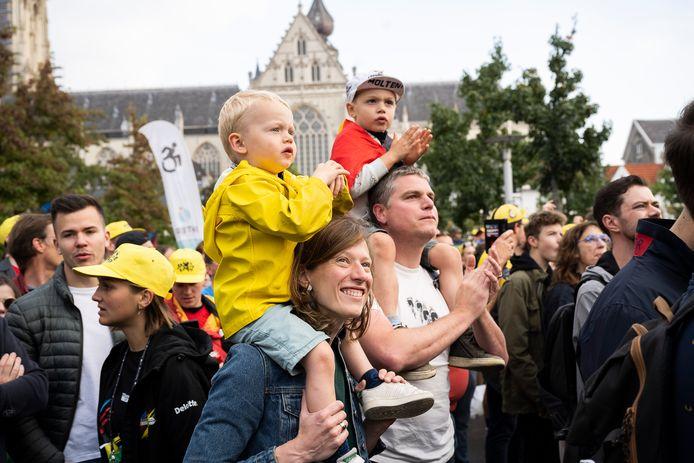 Spannende momenten voor de Belgische helden het podium komen opgefietst.