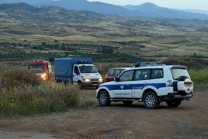 De politie zoekt naar sporen nadat een lichaam is aangetroffen.