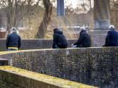 Politie heeft overlastgevers bij Wilhelminabrug in kaart: 'Aantal opvangen buiten Den Bosch'