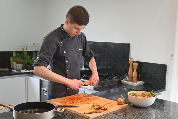 'Healthy Chef' János Coulembier heeft straks een eerste boek uit, op zijn zestiende.