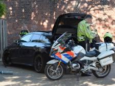 Politie achtervolgt automobilist met lachgas-ballon aan zijn mond