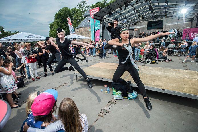 10 juni 2019: de Nieuwe Veste presenteert onder de noemer 'Wij zijn Breda 'dans op het Spanjaardsgat Festival.