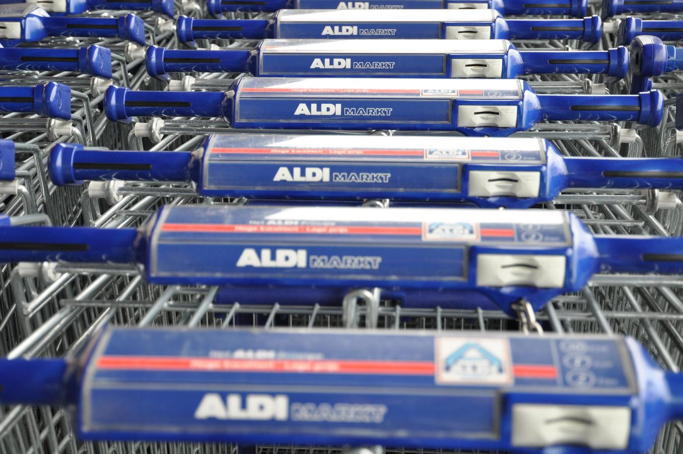 De Aldi in Hulst verhuist naar een nieuw onderkomen.