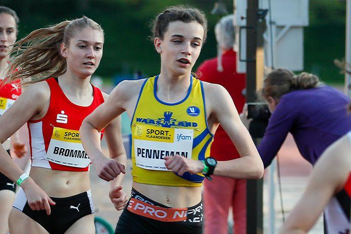 Charlotte Penneman op 29 mei in actie op de IFAM op de 1500m. In Lanaken verzekerde Penneman zich van een ticket voor Estland.