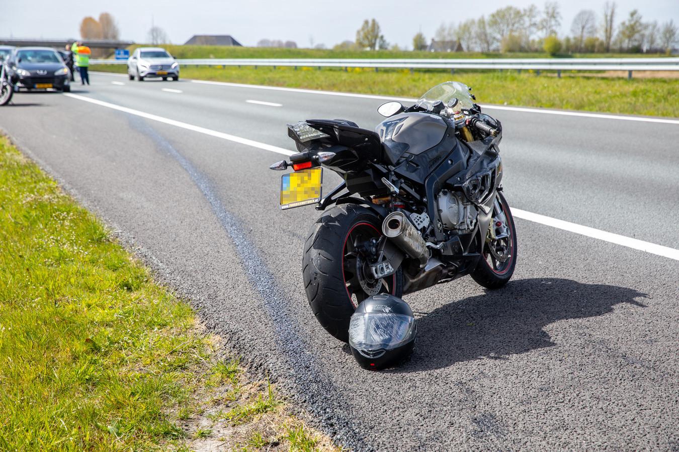 De schade aan de motor en de helm was aanzienlijk.