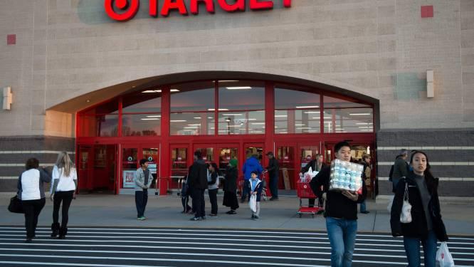 """Amerikaanse supermarkt stopt verkoop pokémonkaarten na te grote hype: """"We doen dit uit veiligheid voor onze klanten en personeel"""""""