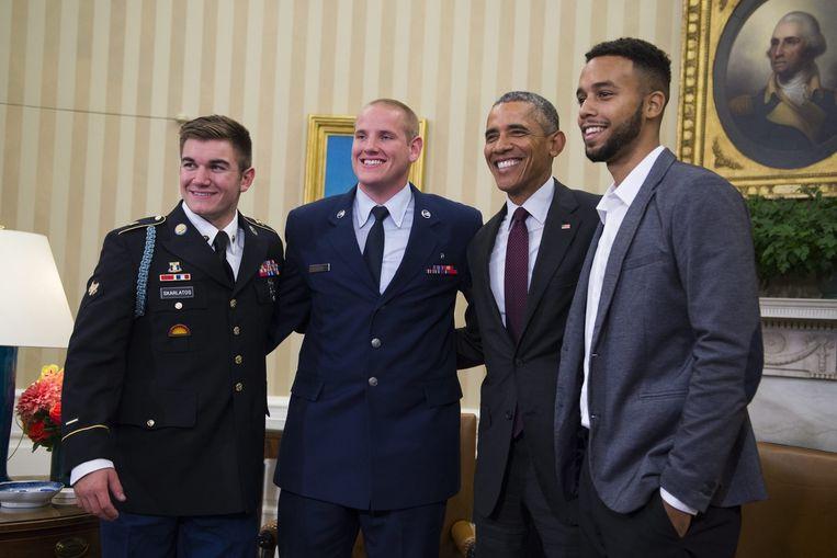 Toenmalig Amerikaans president Barack Obama ontving Alek Skarlatos, Spencer Stone (midden) en Anthony Sadler (rechts) op het Witte Huis.