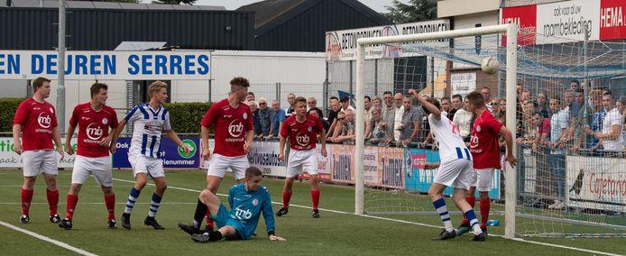 FC Lienden won met 3-2 van Dodewaard.
