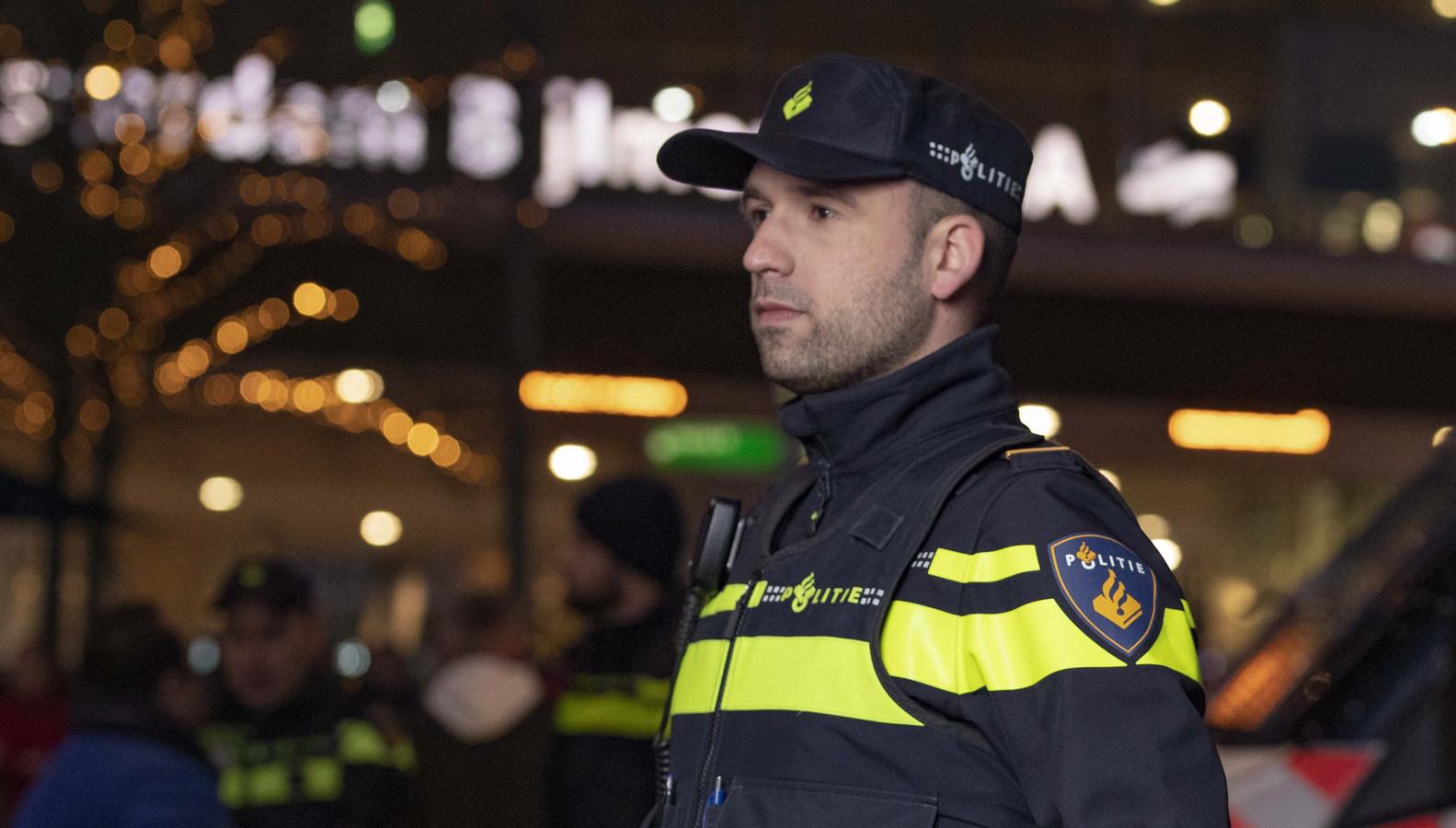 Leroy, surveillant bij de politie, eenheid Amsterdam.