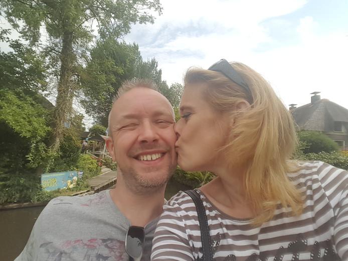 Kitty Schrijvers (50) en Erik van der Burg (50) trouwen op 13 december midden in de winkelstraat in Kesteren.