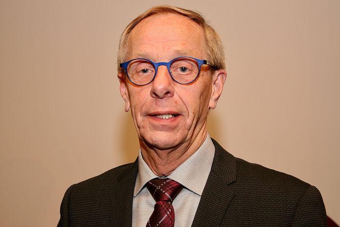 Oud-wethouder Johan van den Brand gelooft absoluut niet dat er een treinstation kan komen in Helvoirt