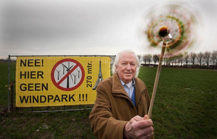 Jaap Borggreve met de enige windmolen die hij goedkeurt.