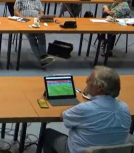 Wethouder Cees Lok vindt voetbal interessanter