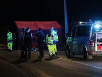 Motorrijder omgekomen na klap tegen verlichtingspaal