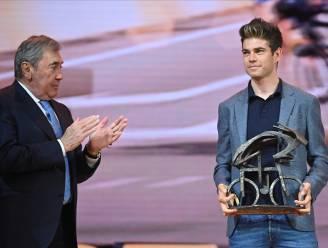 KOERS KORT. Van Aert wint derde Flandrien-trofee, Kopecky opnieuw Flandrienne van het Jaar