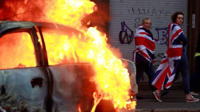 27 politieagenten gewond bij protesten in Noord-Ierland