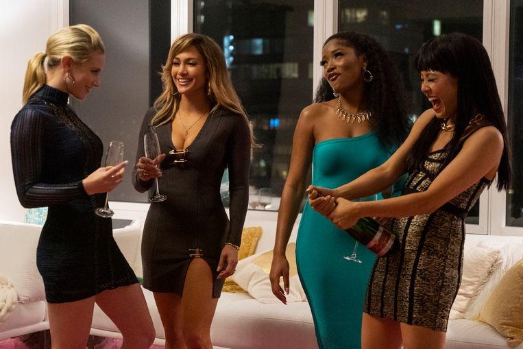 Scène uit 'Hustlers'. Tweede van links is Jennifer Lopez. Beeld AP