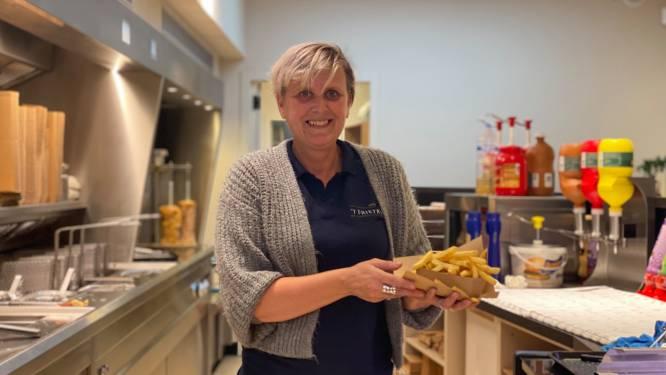 """Nieuwe frituur geopend in Gent: """"Je kan kiezen tussen frieten zonder of met schil"""""""