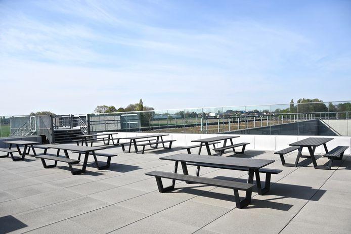 Ook het terras van de bistro op campus Rumbeke is weer toegankelijk.