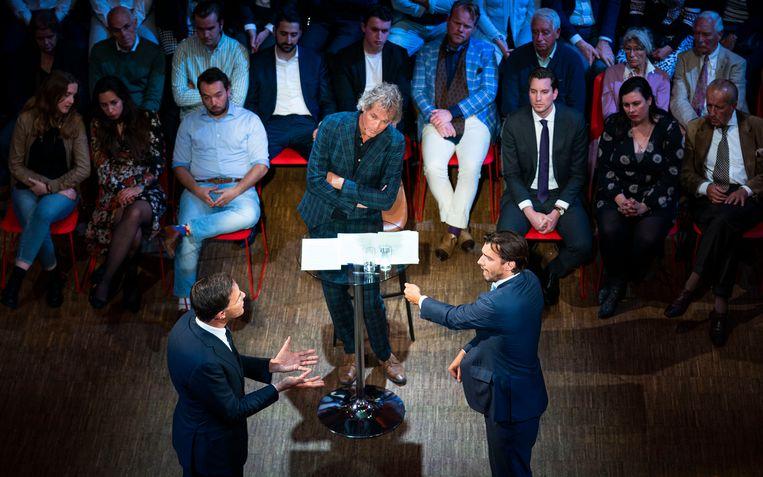 FvD-leider Thierry Baudet, presentator Jeroen Pauw en premier Mark Rutte bij het debat in de Rode Hoed, 22 mei 2019. Beeld Freek van den Bergh / de Volkskrant