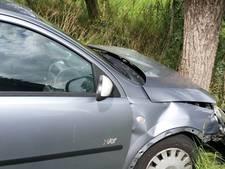 Automobilist rijdt door na veroorzaken ongeluk Ameide