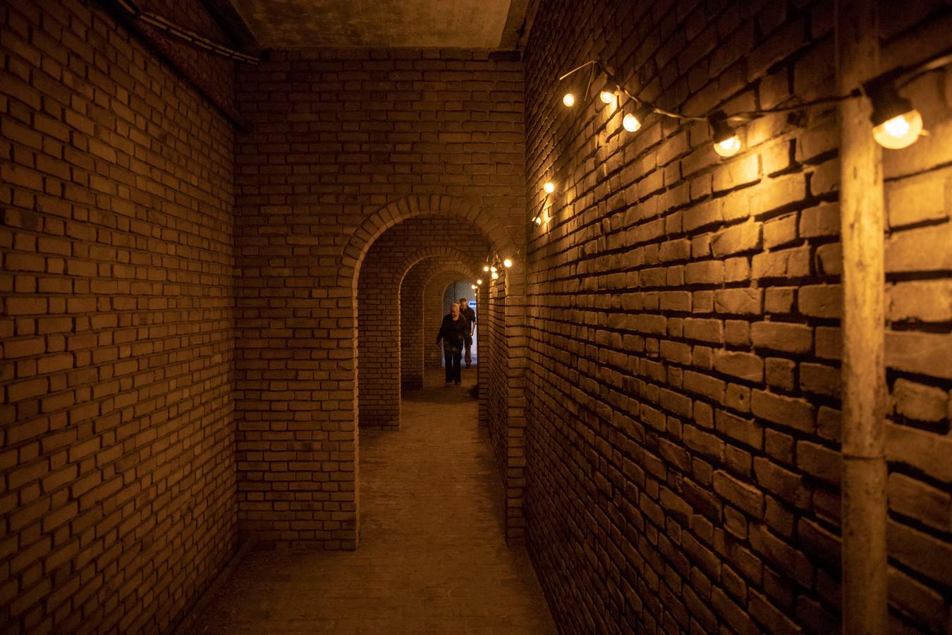 De gang onder de Muur van Mussert was ook opengesteld voor het publiek.