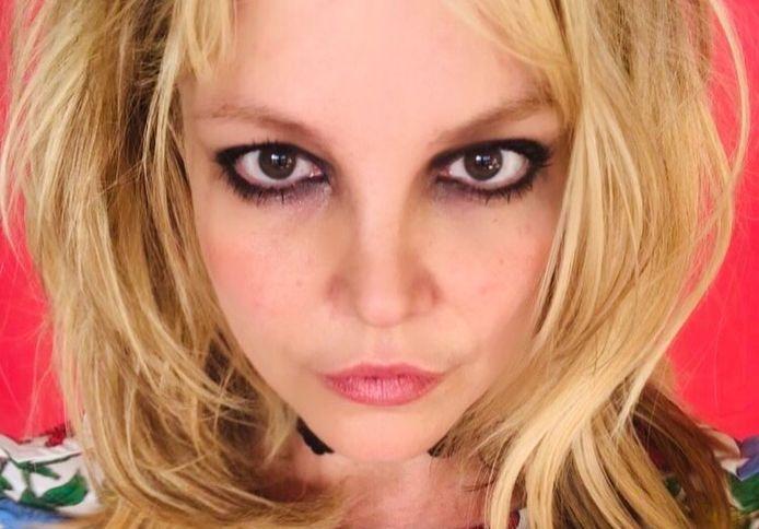"""Britney Spears ne ressemble plus à la pom-pom girl qui chantait """"Baby One More Time"""". Certains s'inquiètent aujourd'hui que sa santé mentale ne serve d'excuse à son père pour mettre la main sur ses avoirs"""