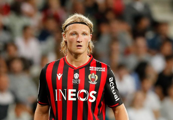 Kasper Dolberg in het shirt van Nice.