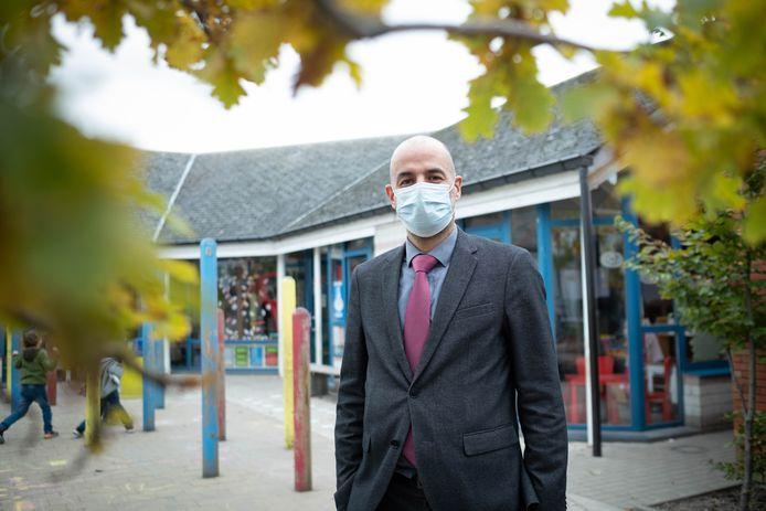 Dirk Letens, de directeur van de Sint-Pieterschool