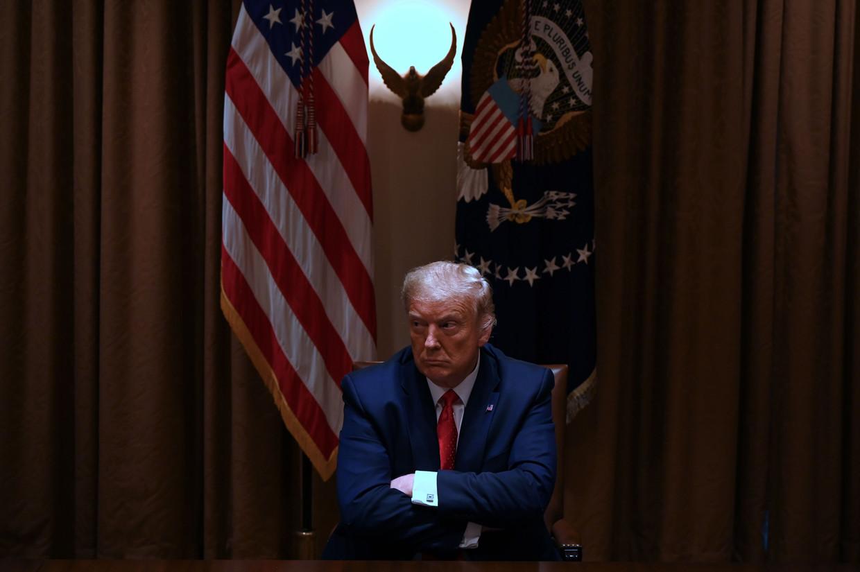 Donald Trump uitte halverwege mei zijn kritiek in een brief. Een ruime week later kondigde hij aan definitief uit de WHO te willen stappen. Afgelopen dinsdag voegde hij de daad bij het woord.
