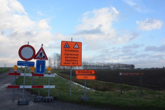 Het gebied, inclusief de scheldedijk, wordt afgesloten voor alle verkeer tijdens de werken.