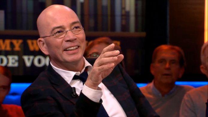 Tommy Wieringa vertelde woensdag aan tafel bij Jeroen Pauw dat zijn kinderen alles mogen lezen, maar liever niet De Gorgels van Jochem Myjer.