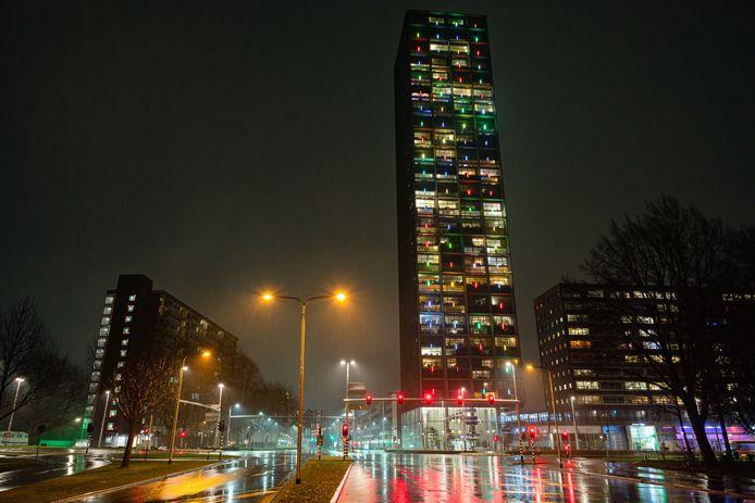 Een lege Hart van Brabantlaan in Tilburg.