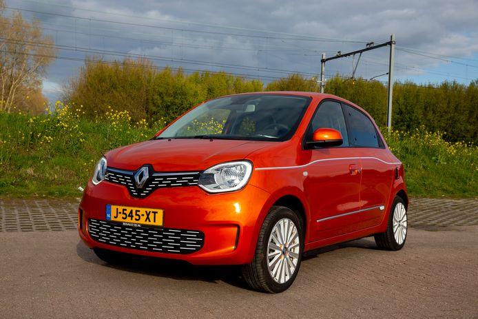 Het rijbereik is met 140 kilometer beperkt, maar de elektrische Renault Twingo laadt snel op.