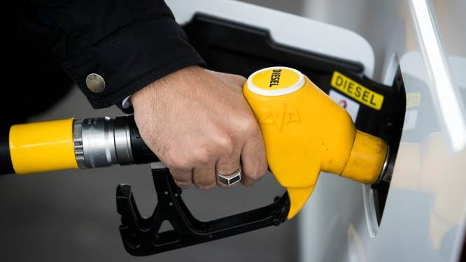 Benzine en diesel morgen goedkoper