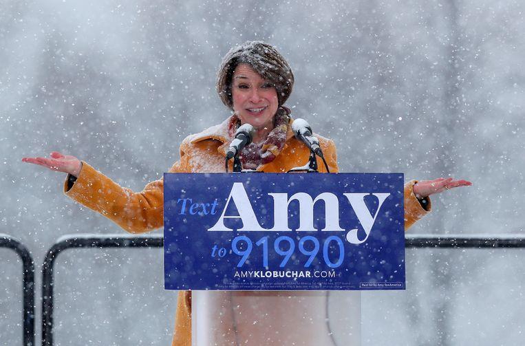 Senator Amy Klobuchar stapt mee in de race voor het Amerikaanse presidentschap. Beeld REUTERS