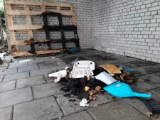 Slaapplek zwerver Bertus gaat in vlammen op, Deventenaren schieten te hulp: 'Hij krijgt een nieuw matras'
