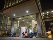 Huisbazen slapen voor stadskantoor Maastricht om kamers te mogen verhuren