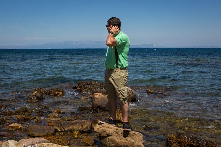 De smokkelaar wil weg van Chios, koste wat kost. Beeld Cigdem Yuksel
