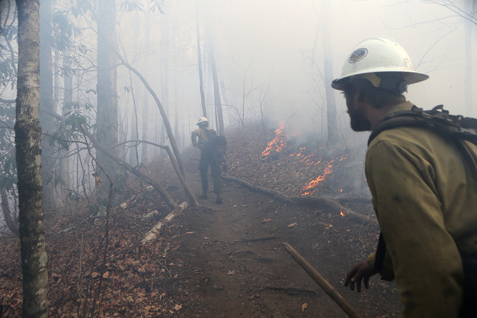 Bosbranden in North Carolina blijken aangestoken te zijn door brandweervrijwilligers