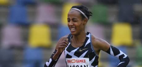 Atlete Sifan Hassan bij FBK Games in actie op 10.000 meter