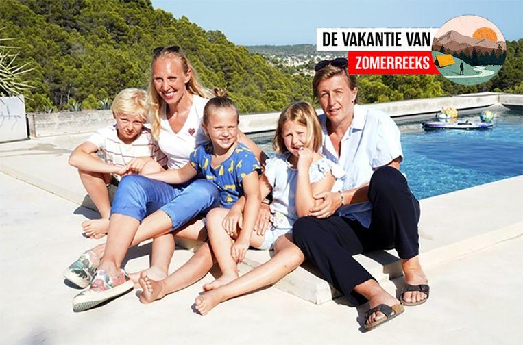 """Vijf jaar geleden kochten Ann Wauters en haar gezin, samen met vrienden, een zomerhuis met zwembad nabij Valencia. Haar grootste uitspatting, vindt ze zelf. """"Mij overvalt hier: de rust"""""""