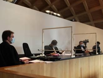 """Antwerpse politierechtbank buigt zich over nieuwe reeks coronazittingen: """"Ze lapten de regels schaamteloos aan hun laars"""""""