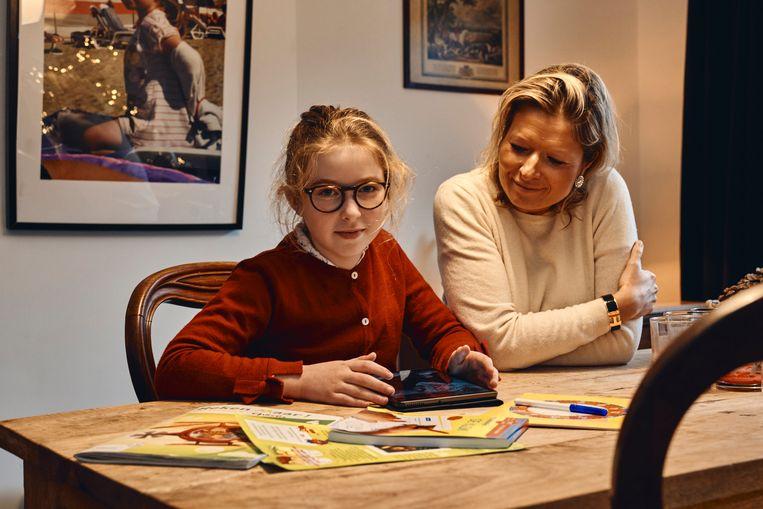 Julie Obaniak en dochter Ophélie: 'Het financiële plaatje schrikt mij niet af.' Beeld Thomas Nolf