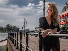 Anjo de Bont, vrouw achter Deventer op Stelten, neemt afscheid van de 'leukste baan'