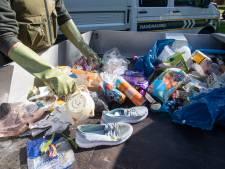 Gebruikt maandverband, bierflesjes en bonbons: Hengelose boa's doorzoeken afval om overtreders te vinden