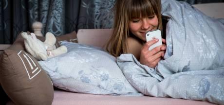 Slapen met de smartphone leidt tot ernstige stoornissen