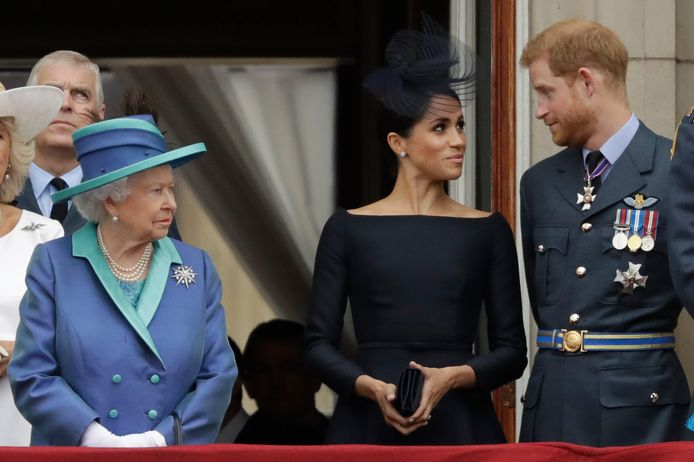 Harry et Meghan aux côtés de la reine Elizabeth II, sur le balcon de Buckingham Palace, en 2018