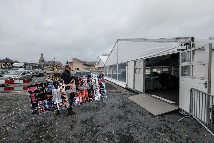 Opbouw van de ijsbaan in Duiven.